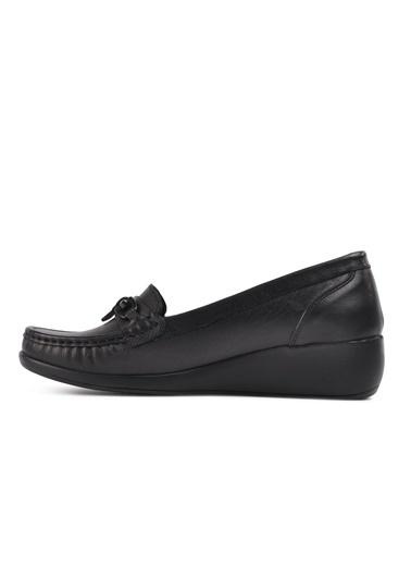 Castle Black 9007 Siyah Hakiki Deri Kadın Günlük Ayakkabı Siyah